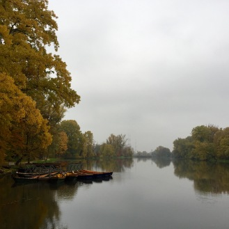 Wilanów lake in autumn